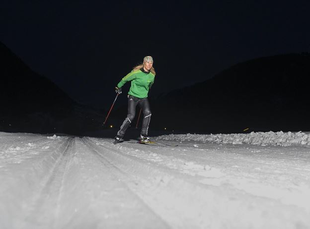 night cross-country skiing
